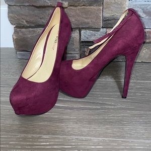 Buy 2 $6 shoes for $10.Justfab Wine coloured heels